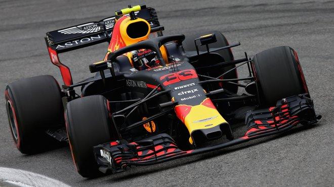 Max Verstappen začal v Abú Zabí nejrychlejším časem