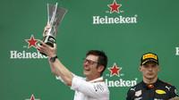 Mercedes slaví mistrovský titul po závodě v Brazílii