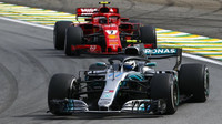 Mercedes šestý rok po sobě předčí Ferrar