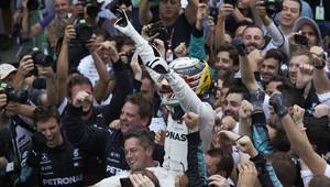 Lewis Hamilton po závodě v Brazílii