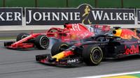 """""""V roce 2014 jsem změnil úroveň předjíždění v F1,"""" domnívá se Ricciardo - anotační foto"""