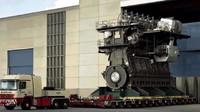 Největší a nejvýkonnější motor světa je dvoutaktní čtrnáctiválcový trubo-diesel Wärtsilä-Sulzer RTA96-C