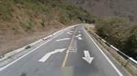 Šíleně značená silnice posílá řidiče do protisměru, má k tomu však dobrý důvod - anotační foto