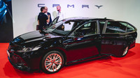 Toyota Camry poslední generace vystavená na nedávném e-Salonu