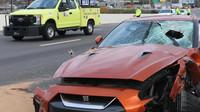Kus betonu hozený z mostu usmrtil řidiče projíždějícího Nissanu GT-R