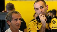 Alain Prost a Cyril Abiteboul v tréninku v Abú Zabí