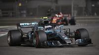 Mercedesu motivace nechybí, Ferrari podle Vettela ale má na to jej porazit - anotační foto