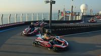 Paluba výletní lodi Norwegian Bliss nabídne mimo jiné i dvoupatrovou závodní trať pro motokáry