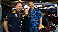 Christian Horner, Geri Haliwell a Sam Smith v Abú Zabí
