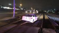 Řidička najela se svým vozem na koleje, prý za to mohla navigace (Facebook/City of Duquesne Police Department)