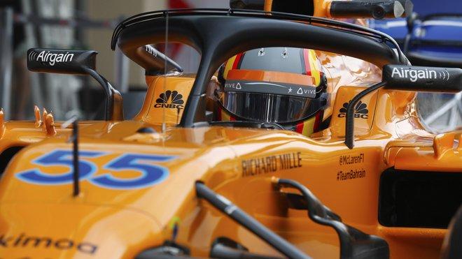 Carlos Sainz během testování pneumatik v Abú Zabí