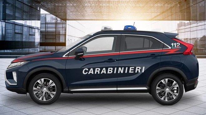 Mitsubishi Eclipse Cross nosí nový prestižní kabát: oficiální uniformu Arma dei Carabinieri