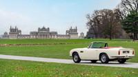 Pod kapotou unikátního konceptu postaveného na základech Aston Martin DB6 se ukrývá první reverzibilní elektrický pohon pro klasické vozy této značky