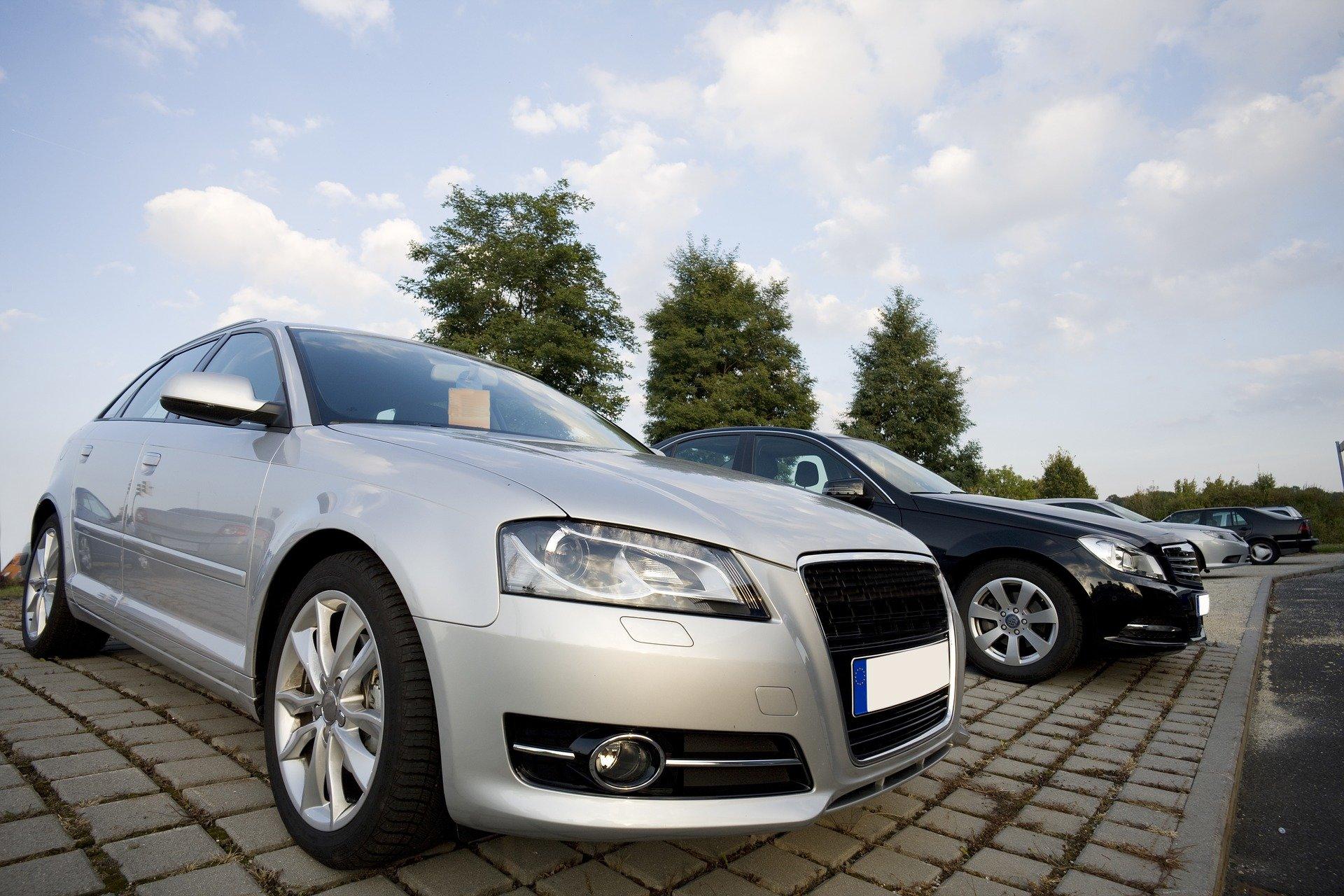 Ojetá auta v ČR: 1 ze 4 poškozeno, tachometry stočené o 61 tisíc kilometrů - anotační obrázek