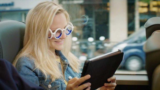 Citroën přišel s unikátními brýlemi Seetroën, které mají pomoci lidem zbavit se kinetózy