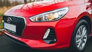 Auto jako vánoční dárek? Koupě ojetiny může být koncem roku výhodnější - anotační obrázek