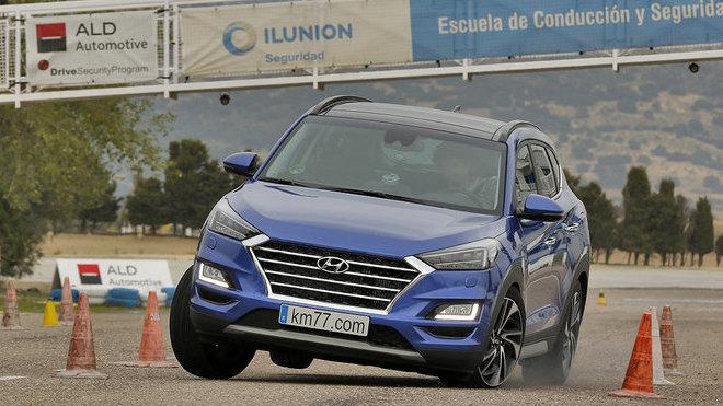 Hyundai Tucson během losího testu