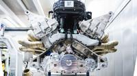Aston Martin odhalil své umělecké dílo, atmosferická V12 nabídne 1 000 koní a zvuk formule - anotační foto