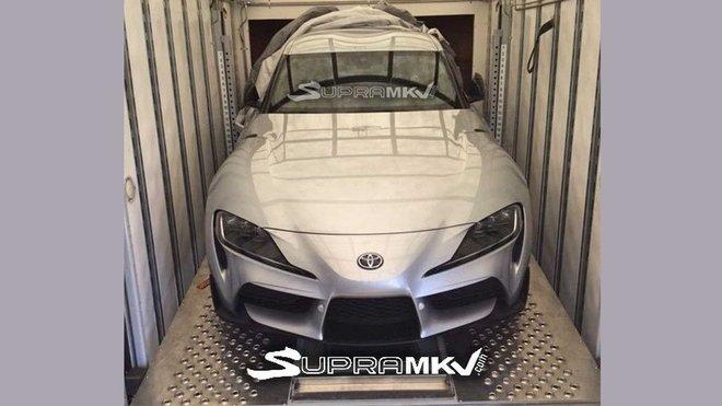 První uniklá fotografie nové Toyoty Supra