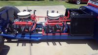 """Výrazně upravený """"pošťácký"""" Jeep DJ s dvojicí motorů V8"""