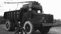 Náklaďák s trolejí? I sovětská monstra chtěla šetřit s palivem - anotační foto