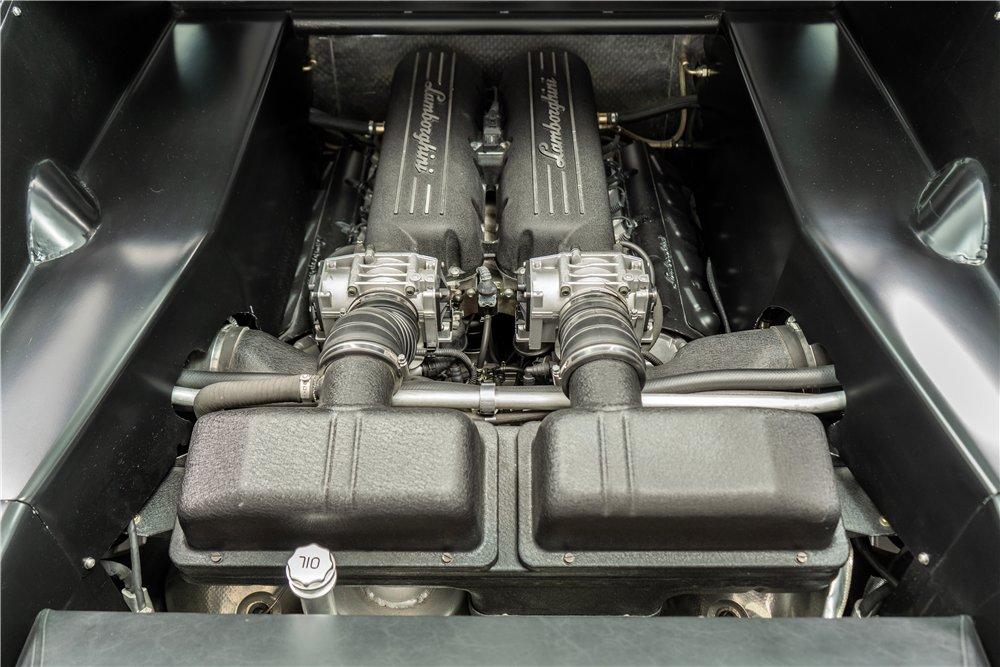 Tractorri Custom Coupe je unikátní kříženec Fordu Mustang a Lamborghini Gallardo