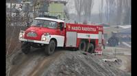 Hasičská Tatra 138 na náročném terénním polygonu Libros