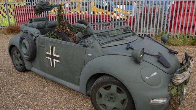 Volkswagen Beetle kabriolet se proměnil v moderní repliku Kübelwagenu