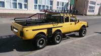 Unikátní Lada Niva 6x6