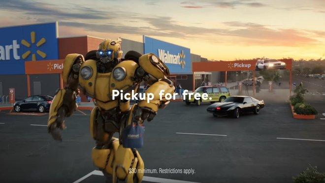 Walmart představil reklamu s ikonickými filmovými automobily