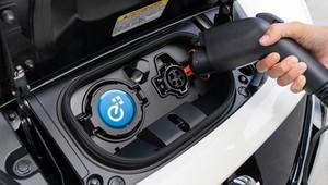 Obavy o životnost baterií jsou zbytečné, uklidňuje Nissan. Auto mohou přežít i o 12 let - anotační obrázek