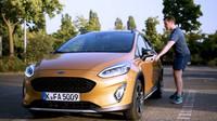 """Sedačky automobilů Ford nově testuje speciální """"Sweaty Robutt,"""" který zkouší jejich odolnost vůči propoceným pozadím"""