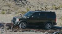 Starý Land Rover Discovery se stal obětí tanku M60 a bezzákluzového děla
