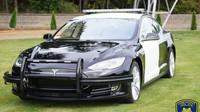Policie ve Fremontu se rozhodla vyměnit vysloužilý Dodge Charger na Teslu Model S