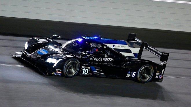 Fernando Alonso s vozem Cadillac DPi v Daytoně