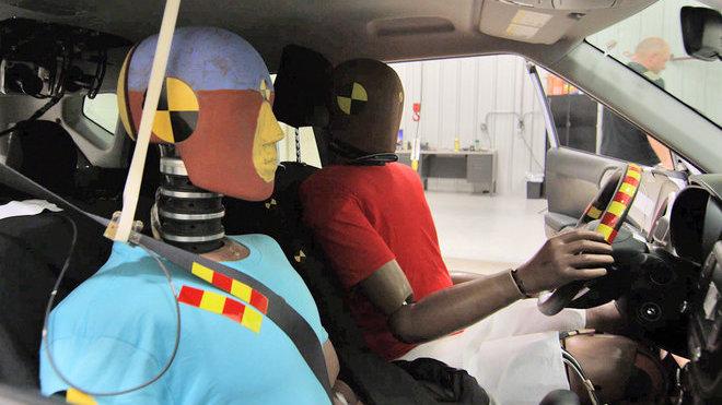 Hyundai Motor Group představuje jako první na světě systém airbagů pro vícenásobné kolize
