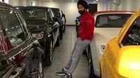 Reuben Singh už má ve své sbírce údajně okolo 20 různě barevných vozů Rolls-Royce (Instagram/singhreuben)