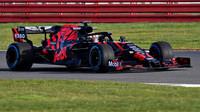 Max Verstappen při první jízdě s Red Bullem RB15 v Silverstone