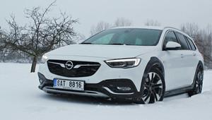TEST: Opel Insignia Country Tourer 4x4: Pohodlný, prostorný a neuvěřitelně zábavný na sněhu - anotační obrázek