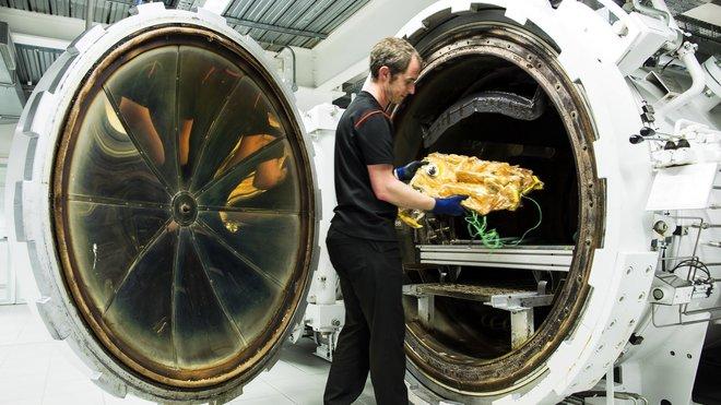Autokláv pro zapékání dílů z uhlíkových vláken