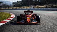 """Sezóna 2019 začala testy v Barceloně, 1. den nejrychlejší Vettel s """"brutálně"""" rychlým Ferrari + FOTO - anotační foto"""