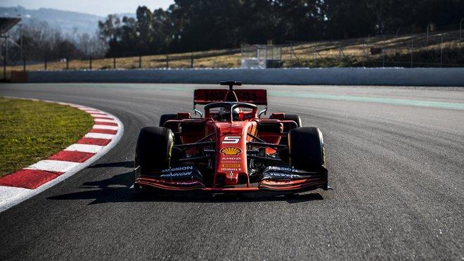 Sebastian Vettel poprvé s Ferrari SF90 na dráze v Barceloně