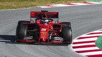 Sebastian Vettel v novém voze Ferrari SF90 při testech v Barceloně