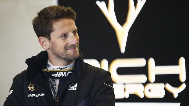 Romain Grosjean při testech v Barceloně