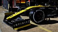 Nico Hülkenberg v novém voze Renault RS19 při testech v Barceloně