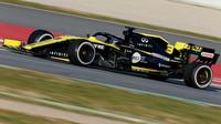 Daniel Ricciardo v novém voze Renault RS19 při testech v Barceloně