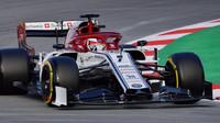 Kimi Räikkönen při testech v Barceloně