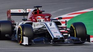 Třetí den testů živě: Räikkönen na čele, McLaren začal později, Williams se chystá + VIDEO - anotační obrázek