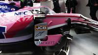 Lance Stroll v novém voze Racing Point RP19 při druhém dni testů v Barceloně