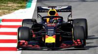 Pierre Gasly v novém voze Red Bull RB15 - Honda při druhém dni testů v Barceloně